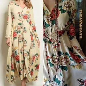 Dresses & Skirts - Heidi's Hideaway Roses Vintage Vibes Maxi Dress!<3